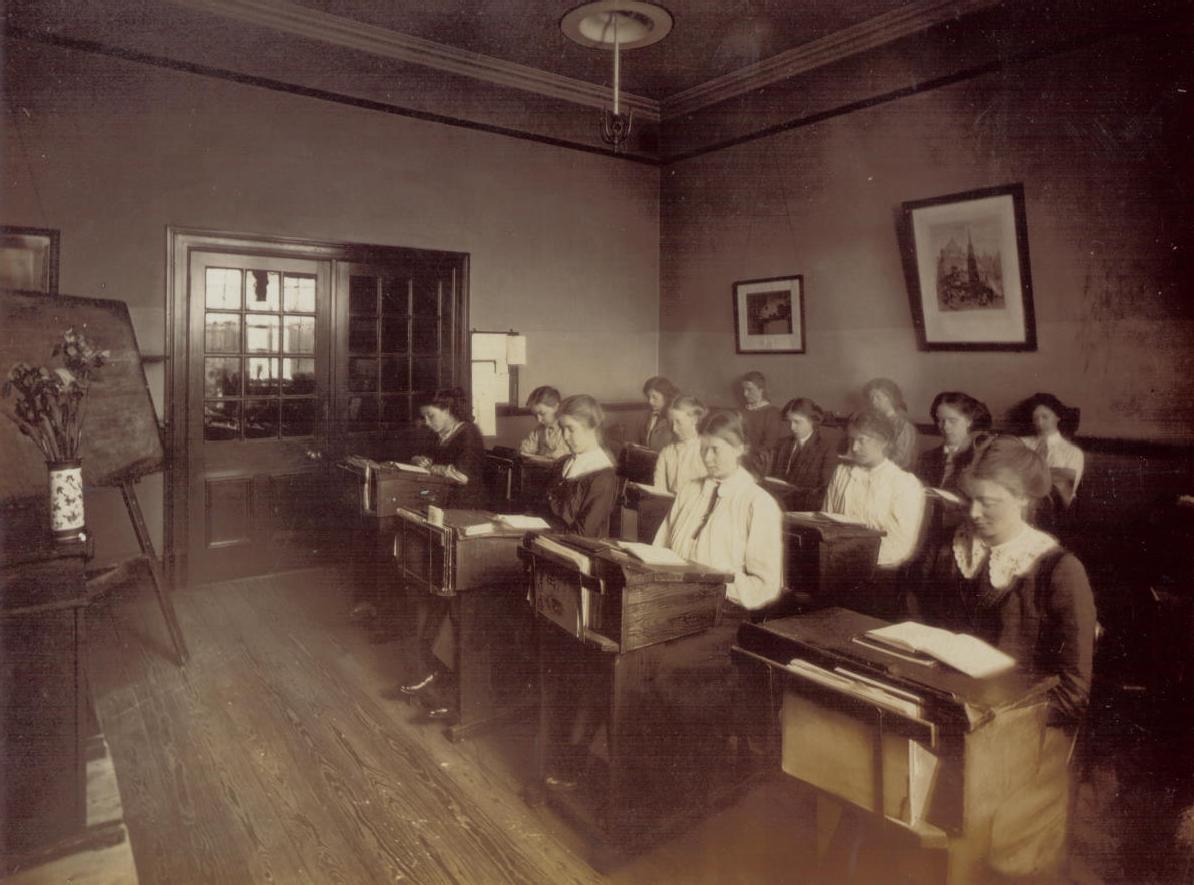 Central Newcastle High School 1916