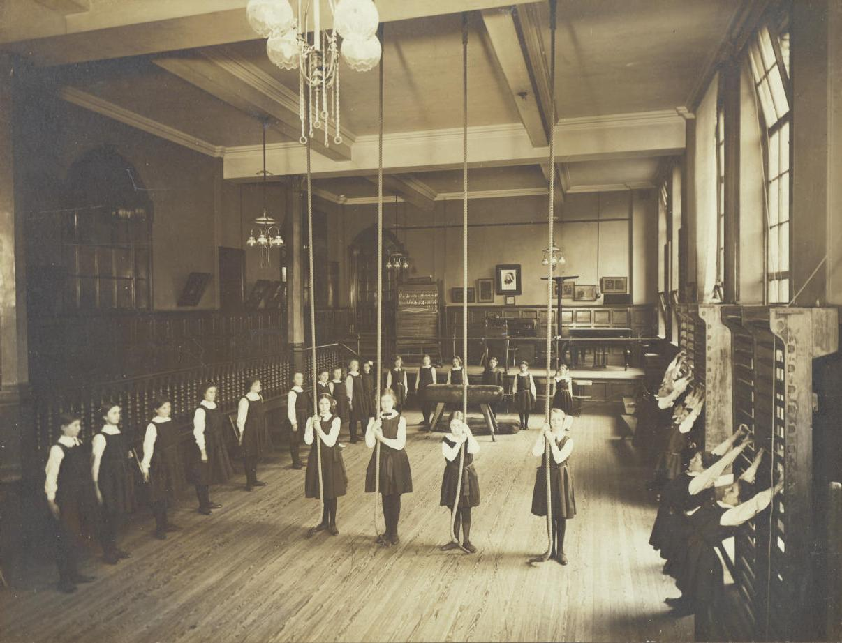 Central Newcastle High School Gym class 1916